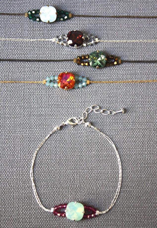 50 Carré 2 Trous tila perles de verre 5 mm Miyuki Choisir Couleur Nouveautés!