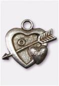 Breloque en métal coeur fléche 25x20 mm argent vieilli x1