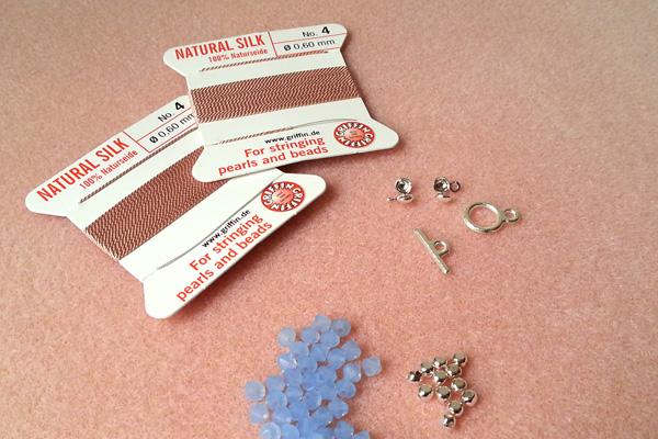 10 bracelets en fil de soie atelier matiere premiere