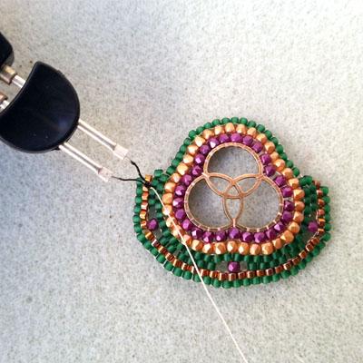 11 boucles d'oreilles brick stitch atelier matiere premiere