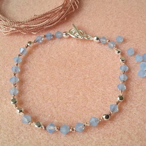 14 bracelets en fil de soie atelier matiere premiere