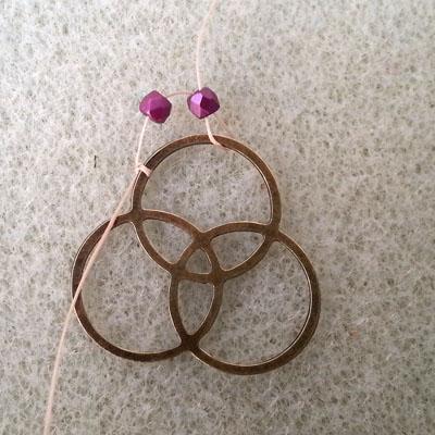 1 boucles d'oreilles brick stitch atelier matiere premiere