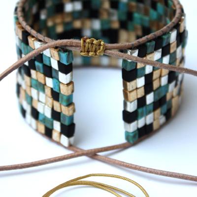Manchette square beads matiere premiere