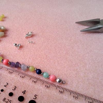 7 bracelets en fil de soie atelier matiere premiere